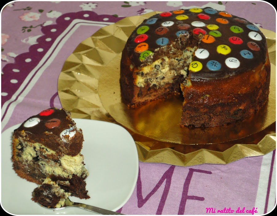 Cheesecake de oreo con base de brownie