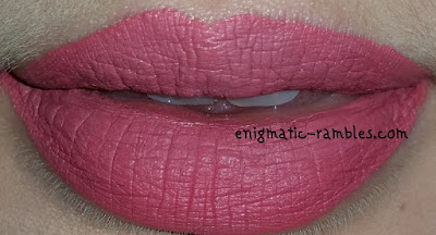 Review-Swatch-DUX-Lingerie-Shade-7-Sweetened