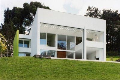 Arquitectura minimalista abril 2012 for Casa tipo minimalista