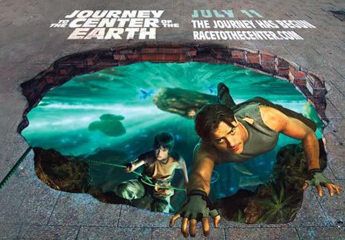 Yer altında Dünya'nın merkezine yolculuk filminin bir karesini gösteren kaldırım sanatı resmi