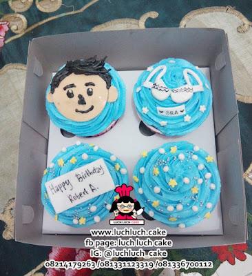 Cupcake Buttercream Tema Cewek dan Cowok