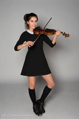 Luisa ama jardinagem e tocar violino – Divulgação/Televisa