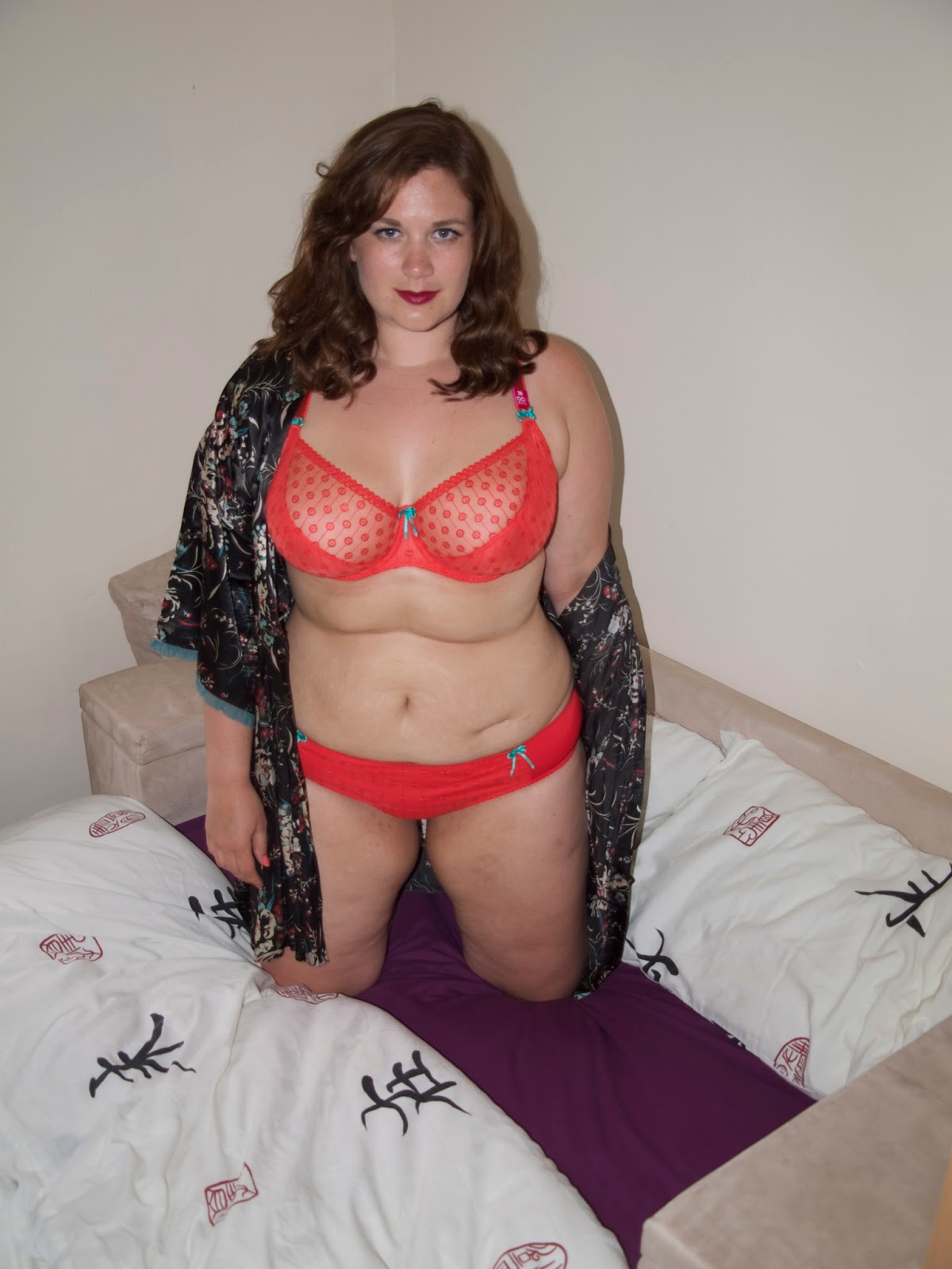 Curvy girl in a calendar audition 2
