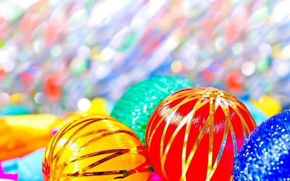 download besplatne pozadine za desktop 2560x1600 slike ecard čestitke blagdani Merry Christmas Božić kuglice za bor