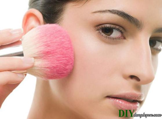 Học cách làm bột phấn má hồng từ củ cải trong tích tắc