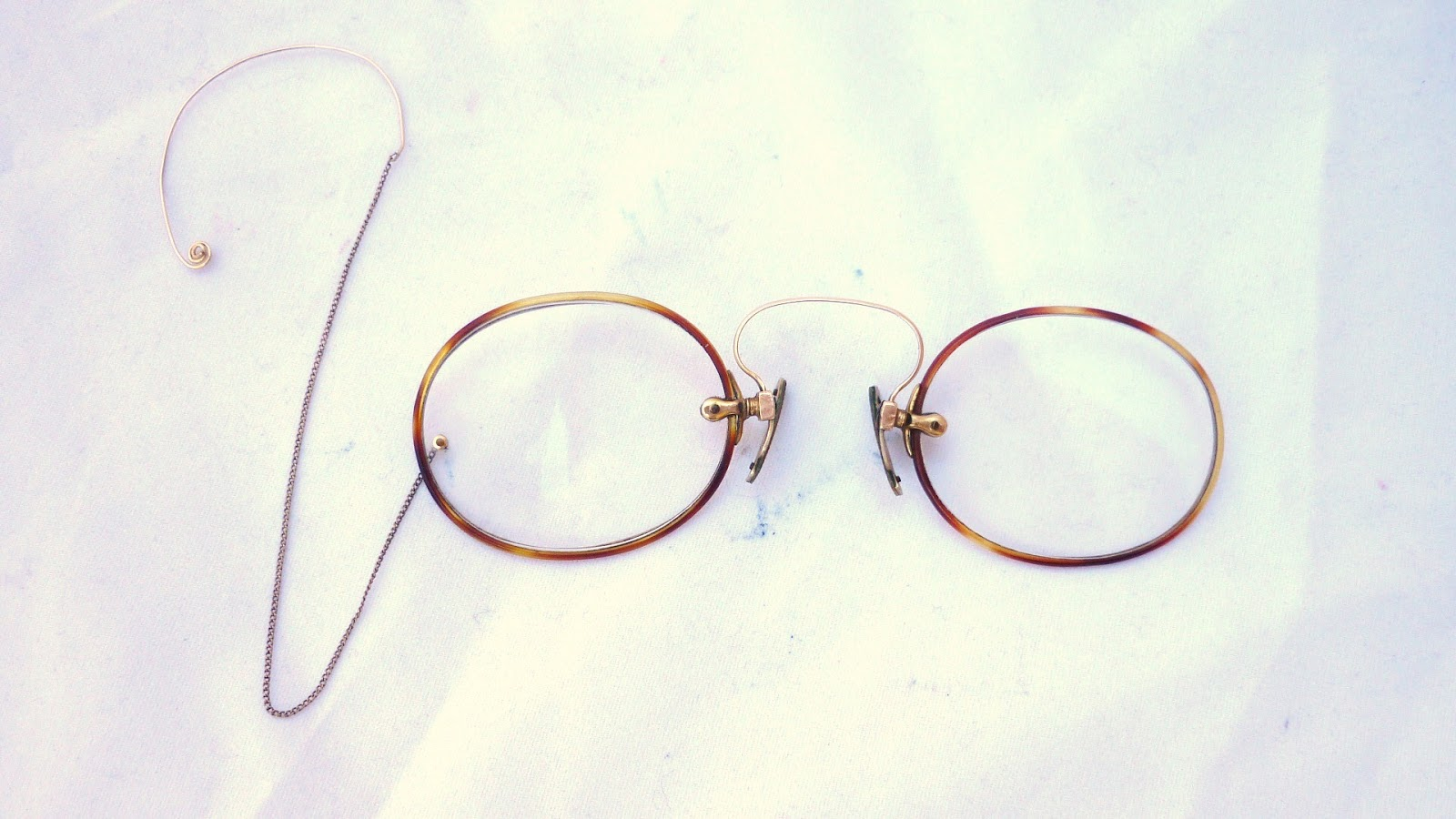 7a1bfac1bd8 Bridge 2.4cm flexible. Chain 12 cm. Antique French Folding Pince Nez  Eyeglasses ...