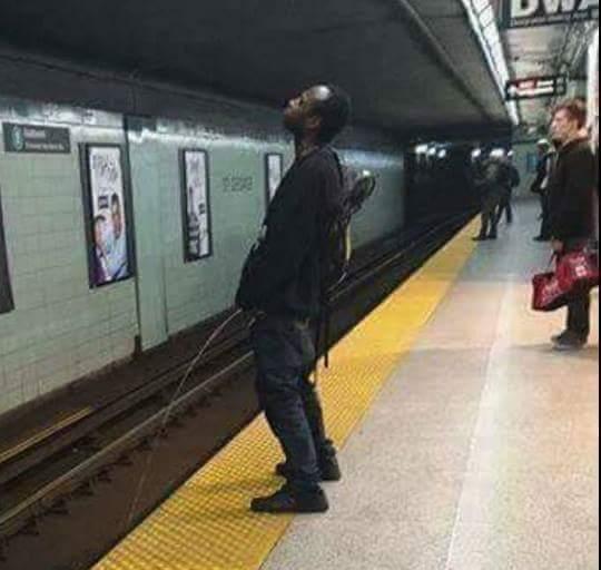 Rührend in der Metro reif