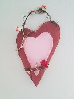 fifth anniversary wooden gift ideas heart