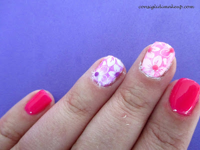 Nail art: Fluo Flower