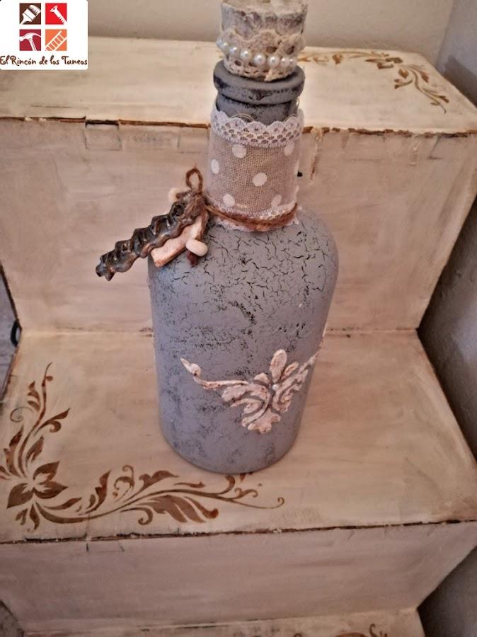 botella con pasta de modelar y craquelado
