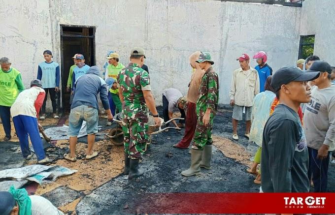 Pasca Kebakaran Rumah Ibu Parsini Digeruduk Oleh Warga