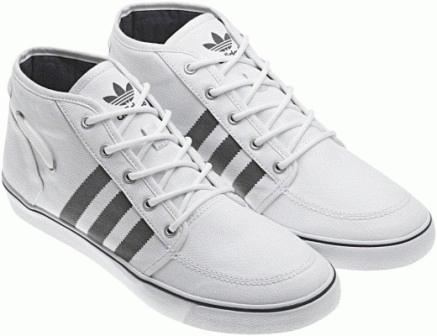 Sepatu Ini Adalah Sepatu Casual Adidas Court Deck VULC MID V