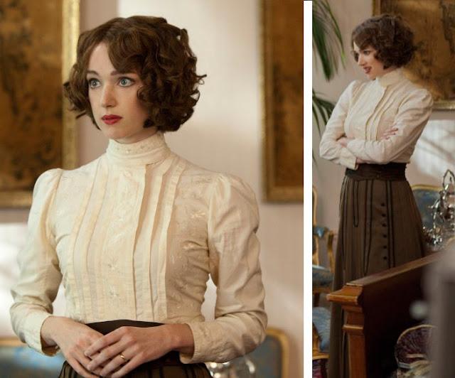 Houdini, minissérie figurino, blusa branca e saia marrom da Bess (Kristen Connolly)