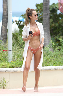 Natalia-Borges-Bikini-Candids-in-Miami-Beach-06+%7E+SexyCelebs.in+Exclusive.jpg