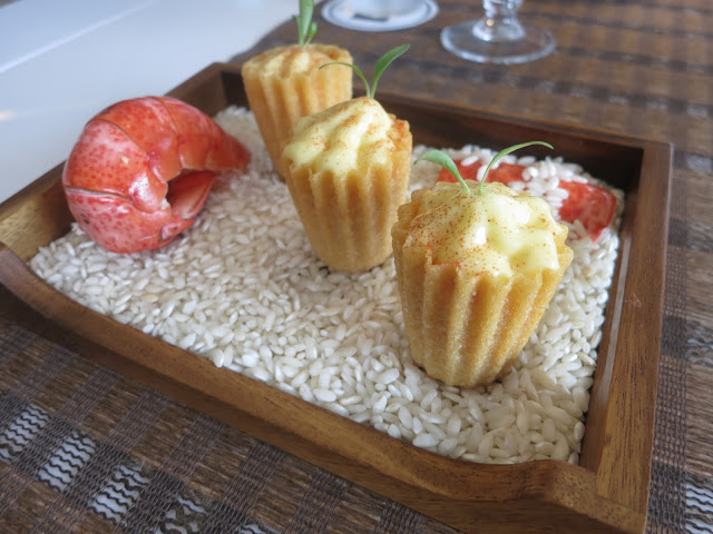Lobster Kueh Pie Tee