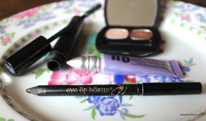 one little vice beauty blog: eye of horus, green people, bare minerals, urban decay