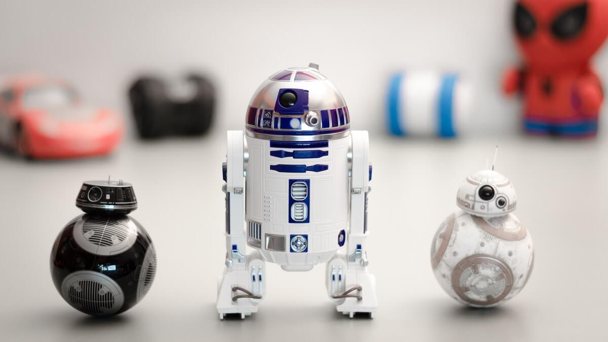 Sphero BB-8 and New BB-9E App-controlled Robots