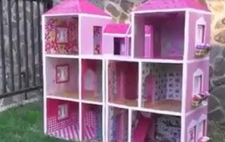 Hermosa casa de muñecas gigante con cajas