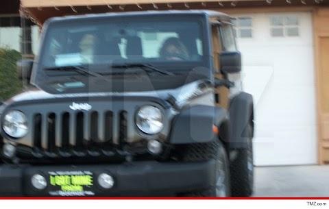 Arnold Schwarzenegger Regala Jeep a Su Hijo Ilegitimo Joseph Baena