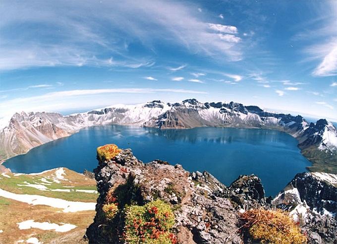Heaven, Danau Tempat Tinggal Raksasa Misterius