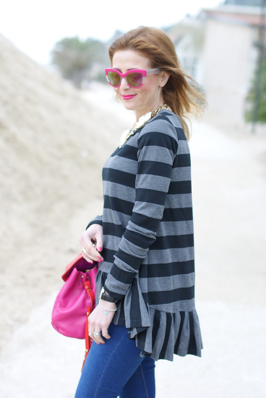 Rose a Pois top, Marc Jacobs fuchsia sunglasses on Fashion and Cookies fashion blog, fashion blogger style