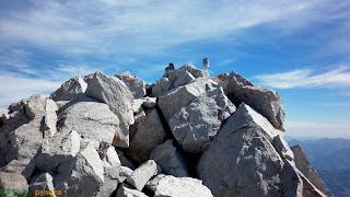 En la cima de Peña Vieja una de las montañas más altas de acceso más sencillo de Picos de Europa.