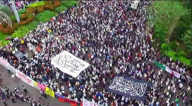 Tolak Perppu Ormas Hari Ini, Komunitas Royatul Islam Akan Kembali Kibarkan Bendera Tauhid Raksasa