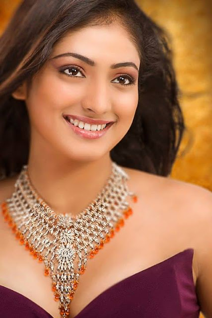 Haripriya actress age, biography, date of birth, hot movies, singer, express route, kannada actress, express schedule