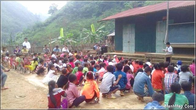 lễ khai giảng của học sinh vùng sâu, vùng xa