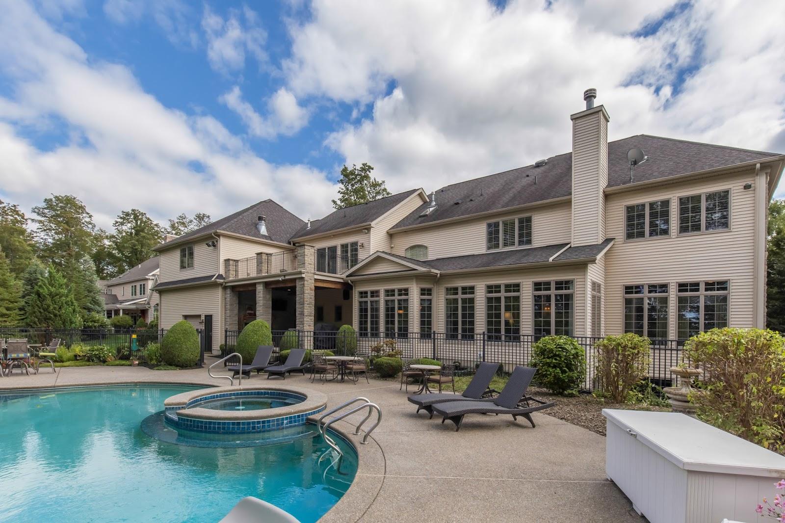 Real estate photographer Canton, Northville, Novi, Ann Arbor