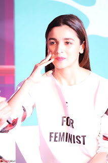 Alia Bhatt looks super cute in T Shirt   IMG 7763.JPG