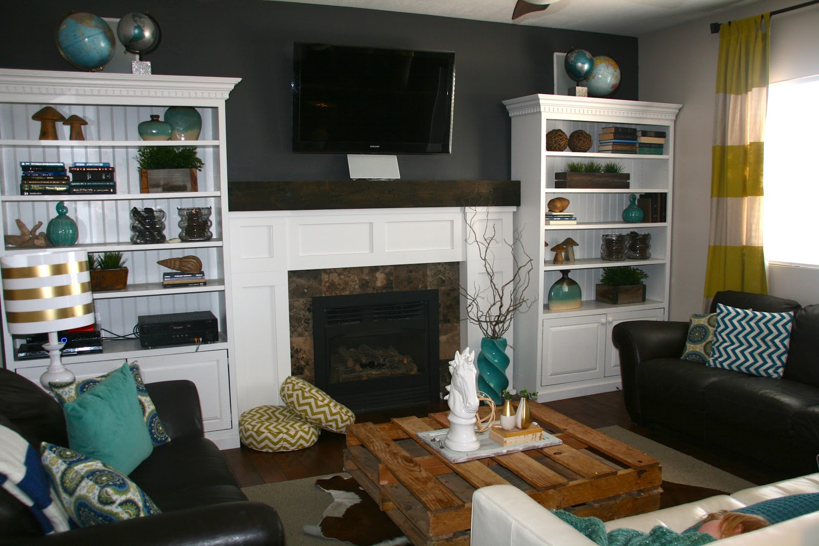 Living Room Paint Charcoal Color Paint - Viewing Gallery