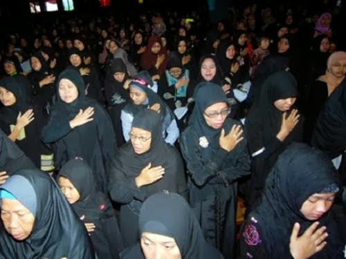 http://4.bp.blogspot.com/-4QEPkPVGJn4/UvFPraKHsjI/AAAAAAAAOCU/0ZgDBdDxjrA/s1600/Wanita+Syiah+-+ilustrasi.jpg