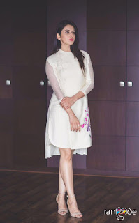 Rakul Preet Sing in just white Kurti Promoting movie Spyder