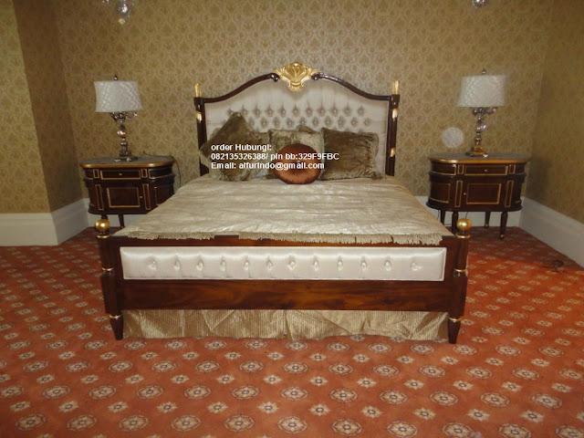 Tempat tidur jati klasik,toko mebel jati klasik jeparaProdusen furniture hotel indonesia,kamar set klasik eropa,dipan code dipan jati klasik 126,FURNITURE JEPARA DAN PRODUSEN FURNITURE HOTEL INDONESIA DENGAN KONSEP FURNITURE KLASIK,FURNITURE MEWAH,FURNITURE CLASSIC EROPA, FURNITURE JATI SULAWESI, FURNITURE UKIR BANDUNG,FURNITURE INTERIOR DESIGN,FURNITURE HOTEL JAKARTA, FURNITURE KAMAR SET, FURNITURE CLASSIC DI JAKARTA,FURNITURE KLASIK EROPA,FURNITURE DUCO VINTAGE,FURNITURE FRENCH STYLE INDONESIA,JATI UKIRAN FURNITURE JEPARA UNTUK INTERIOR APARTEMEN RESIDENCE ,KANTOR ,RUMAH ,PERUMAHAN ,HOTEL ,RESORT ,RESTAURANT ,SHOWROOM & GALLERY