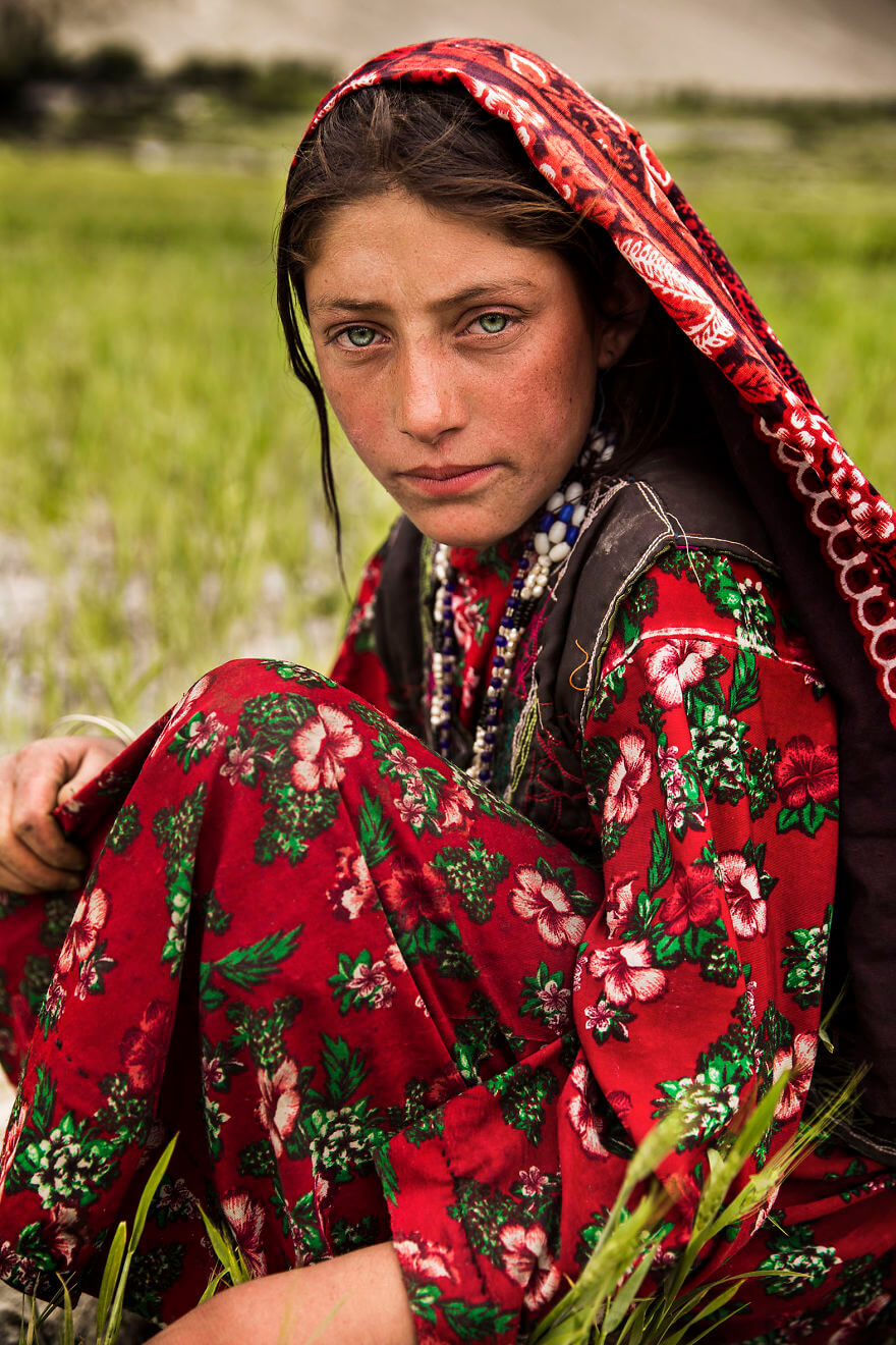 This Photographer Took Pictures Of Women From All Over The World. You'll Be Amazed By Their Beauty And Uniqueness! - Wakhan Corridor, Afghanistan
