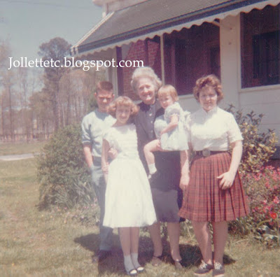 Glenn Davis, Violetta Davis Ryan holding Mary Jollette, Bobbie Davis, Wendy probably 1960-1961 https://jollettetc.blogspot.com