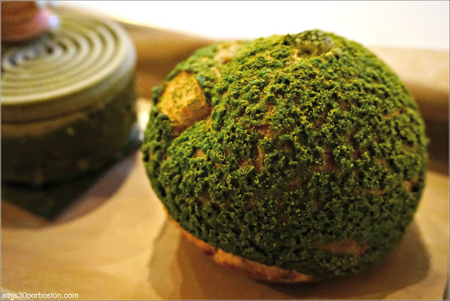 Matcha Cream Puff de Bibble & Sip, Nueva York