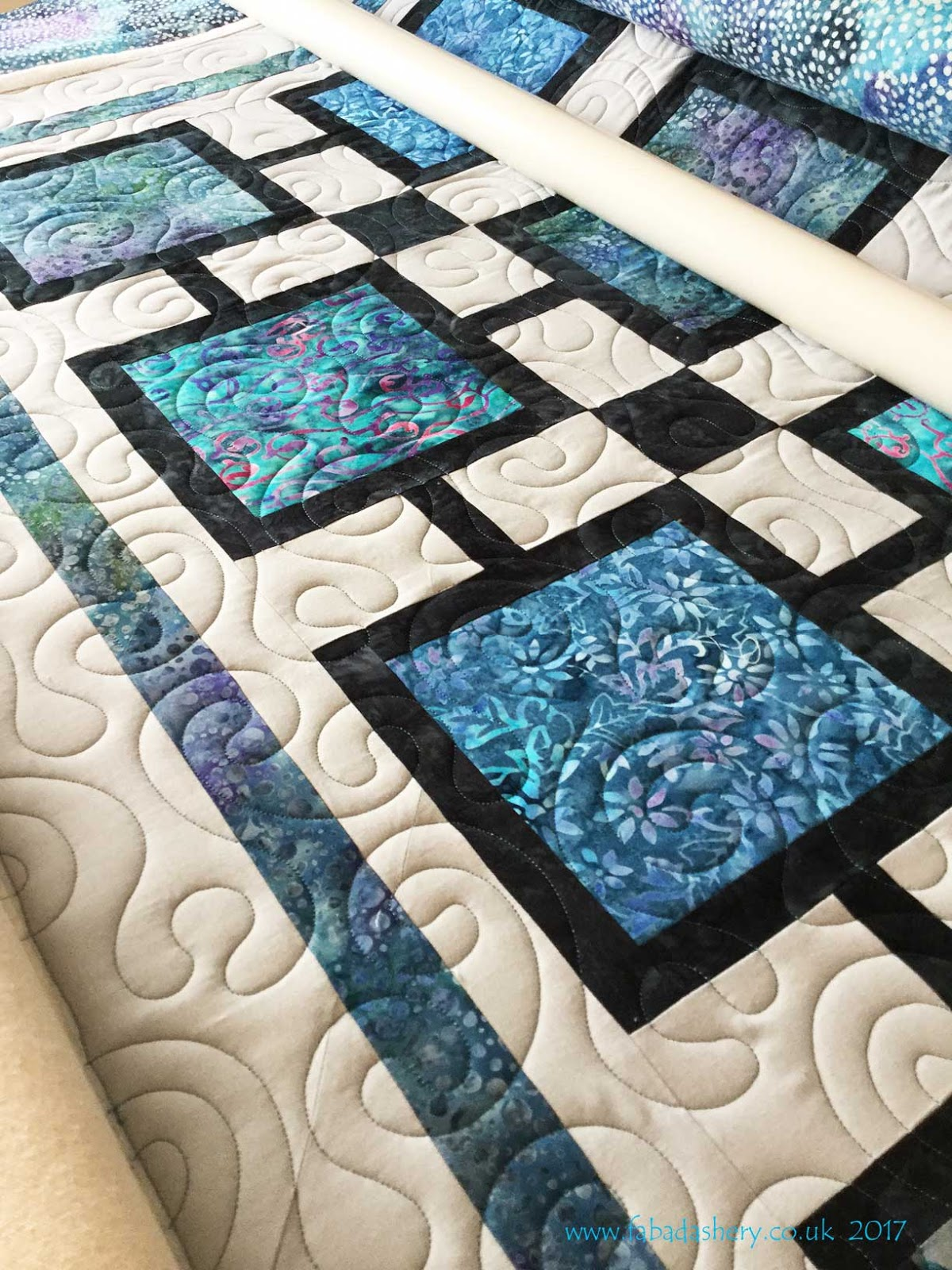 Fabadashery Longarm Quilting Sue S Modern Blue Square Quilt