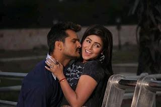 Akansha Awasthi kissing photo