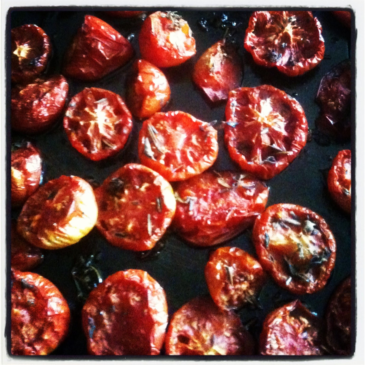Drying tomatoes #lifeonpigrow