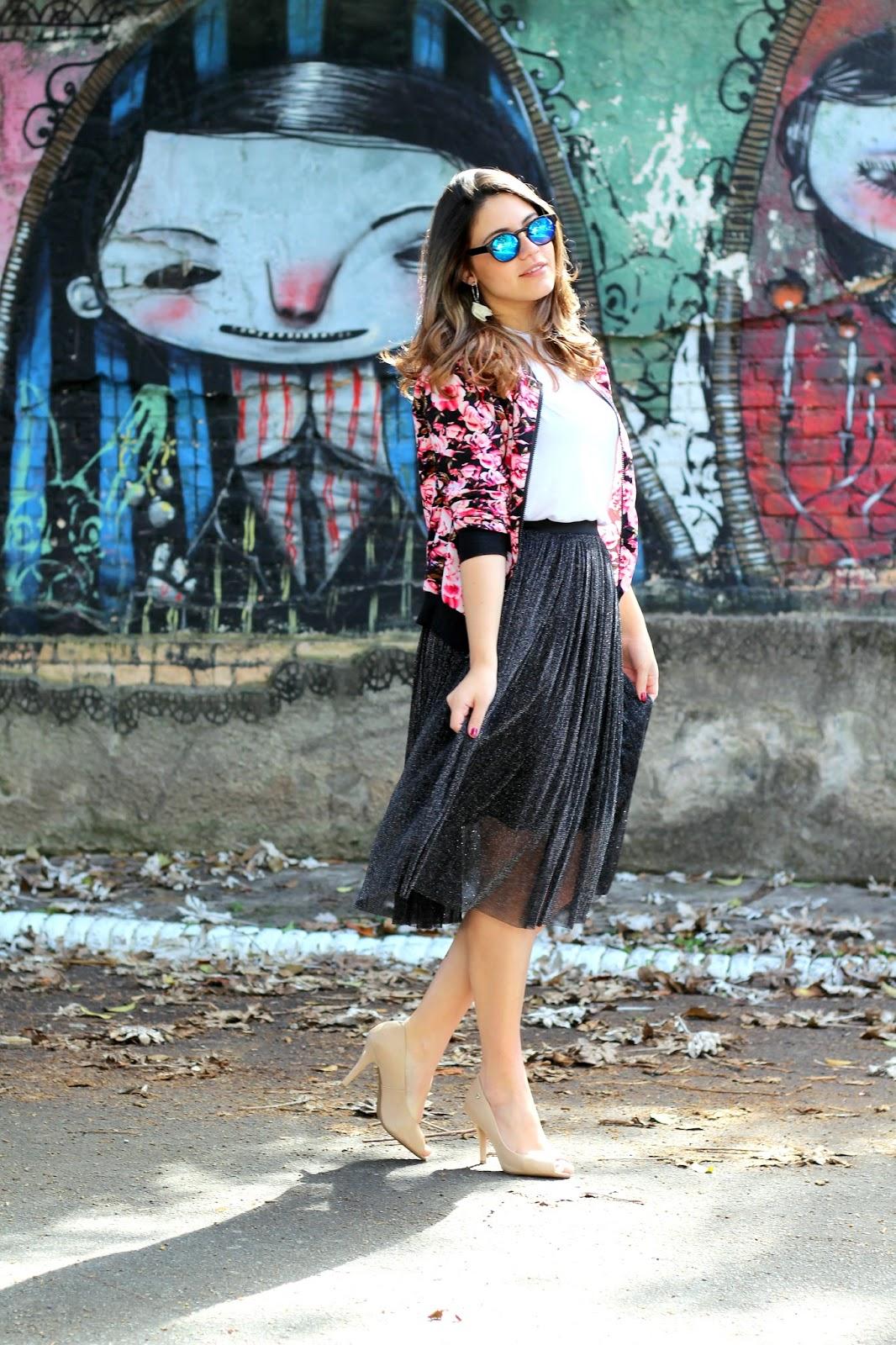 Look da Ana do dia saia midi de glitter óculos Livo eyewear Ana Soares look loja Yoshop