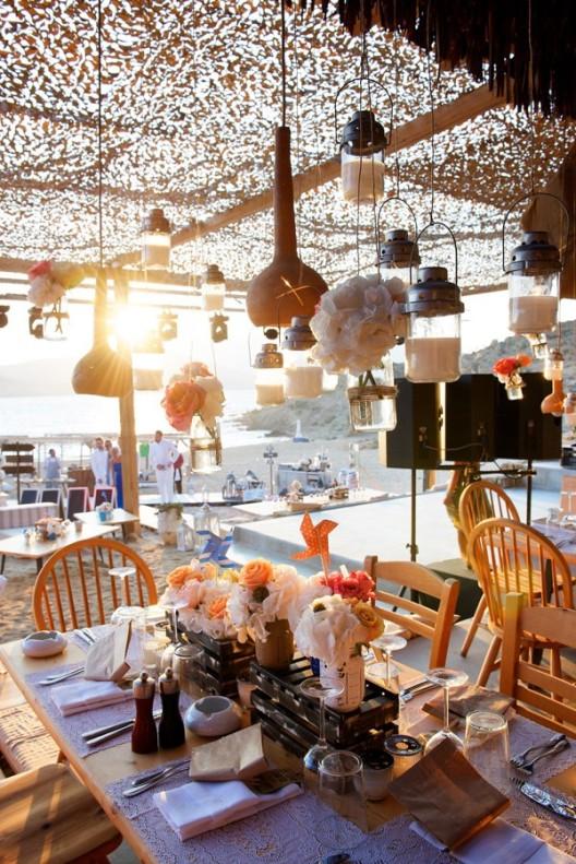 fiesta de boda en la playa de mikonos chicanddeco