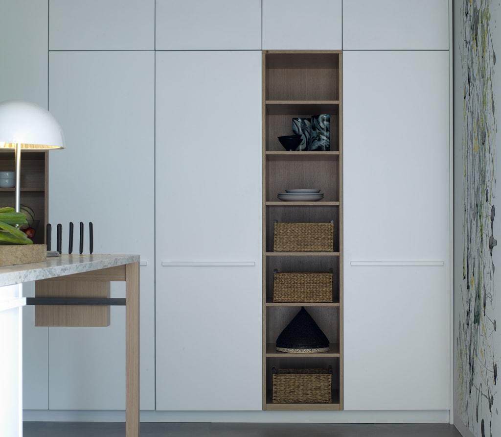 M dulos abiertos en la cocina con un toque de naturaleza for Cocina blanca y madera