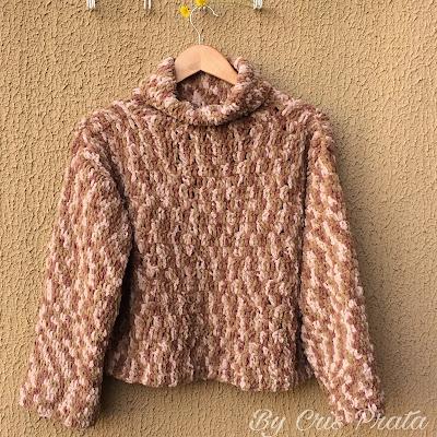 blusa de crochê de mangas compridas com gola