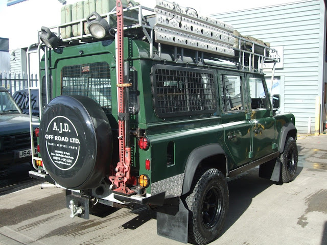 Landrover Defender: Land Rover Defender 110 Station Wagon