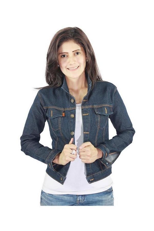 5 Gaya Stylish dengan Jaket Jeans
