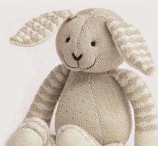 http://www.deramores.com/media/deramores/pdf/patons-rabbit-free-pattern.pdf