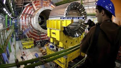 Ricercatori italiani scoprono cinque nuove particelle elementari