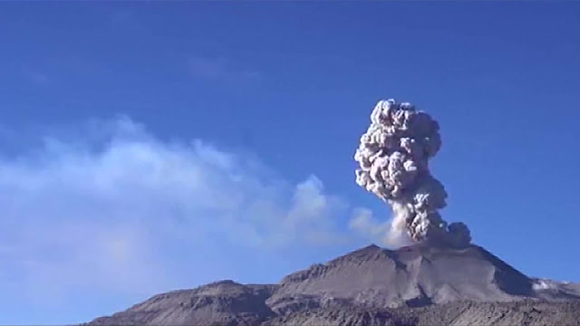 For the first time in recorded history Peru is host to two volcanoes seeing continuous eruptions. 58619da5c4d21f190412095b_o_A_v1